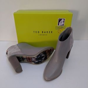 New Ted Baker booties Size 40.5/9.5(M)